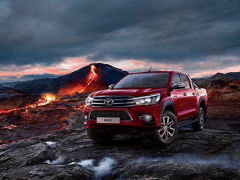 ToyotaHilux Invincible 50 Chrome Edition