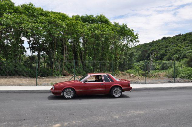 Eski model Ford Mustang