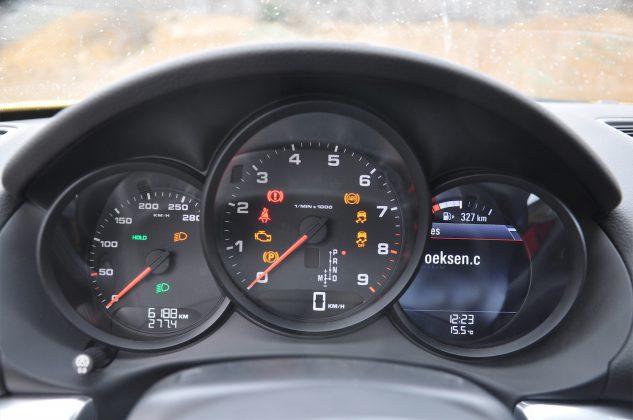 2014 Porsche Cayman Hız Kadranı