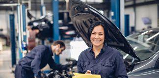 kadınların-otomotiv-sektöründeki yeri önem kazanıyor