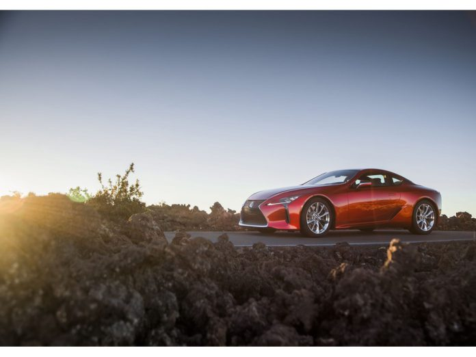 2021_Lexus_LC_spor-otomobil