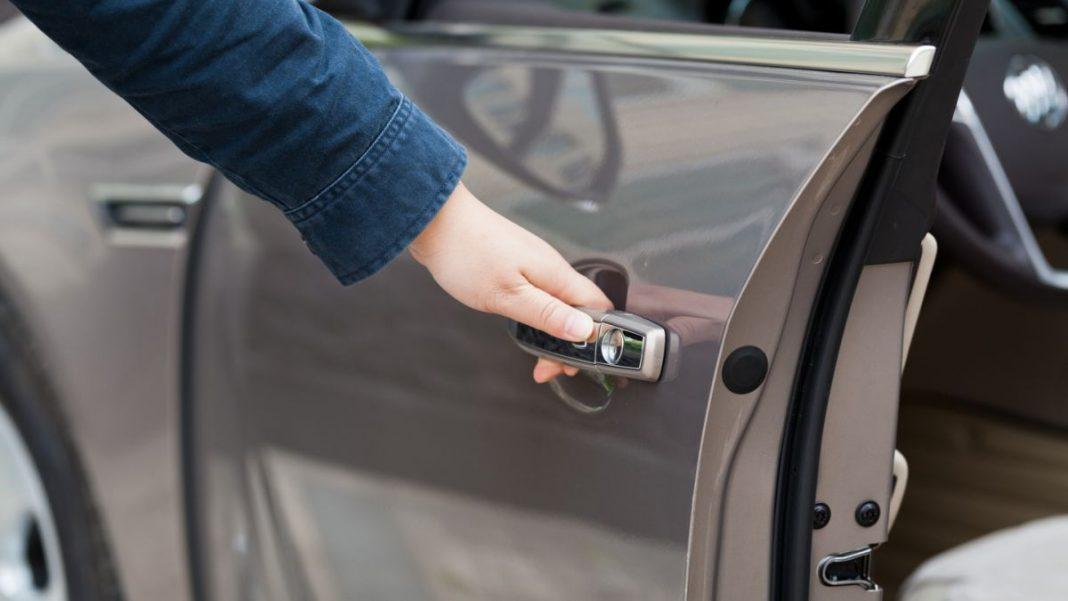 otomobil kapı sistemleri