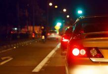 karanlıkta araba sürmek